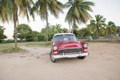 Stary amerykański samochód przy Kuba Obraz Royalty Free