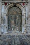 Stary antykwarski drewniany drzwiowy rocznika portalu drzwi Obraz Royalty Free