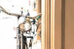 Stary antykwarski rocznika bicykl - rocznika skutka stylu obrazki Zdjęcie Stock