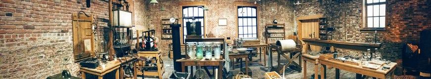 Stary żarówki manufactory Fotografia Royalty Free