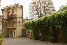 Stary autentyczny i atmosferyczny podwórze w Odessa, Ukraina fotografia stock