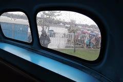 Stary autobusowy wnętrze pokazywać przy Moskwa transportu dnia świętowaniem Zdjęcie Royalty Free