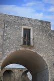 Stary balkonowy above łuk Fotografia Royalty Free