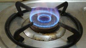 Stary benzynowej kuchenki palnik z ogieniem i płomieniami zdjęcie wideo