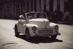 Stary biały rocznika samochód obraz royalty free