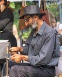 Stary blacksmith produkci żelazo outdoors obraz stock