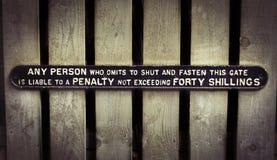 Stary brama znak zdjęcia royalty free