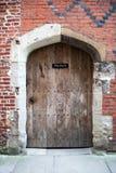 Stary brown drewniany drzwi Zdjęcia Royalty Free
