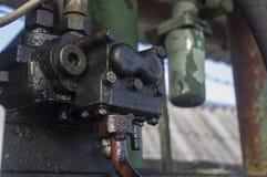 Stary brudny agregat zakrywający z olejem napędowym Obrazy Stock