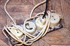 Stary brudny rozszerzenie sznur Fotografia Stock