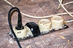 Stary brudny rozszerzenie sznur Obraz Stock