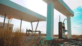 Stary brudzi opustoszałą benzynową stację U S 66 trasy kryzys drogi 66 zwolnionego tempa tankuje wideo zamknięty supermarketa skl zdjęcie wideo