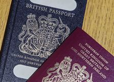 Stary Brytyjski paszport i Nowy Europejski paszport Obraz Stock