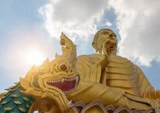 Stary Buddha w Tajlandzkiej świątyni Zdjęcia Royalty Free