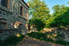 Stary budynek na wierzchołku góry ÅšlęŠ¼ a Obrazy Stock