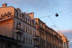 Stary budynek podczas czerwonego zmierzchu europejczycy zdjęcie royalty free
