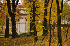 Stary budynek w drewnach Zdjęcia Stock