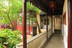 Stary chiński klasyczny korytarz i architektura przy liuyuan ogródem przy jesienią obrazy royalty free