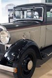 Stary collectible ?cis?y czterocylindrowy sedan - Peugeot 301, 1933 obrazy royalty free