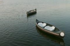 stary czółno pławik na jeziorze, Tajlandia zdjęcia royalty free