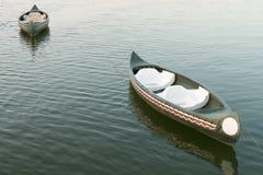 stary czółno pławik na jeziorze, Tajlandia obraz royalty free