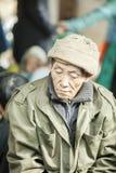 Stary Człowiek mniejszości etniczne, przy starym Dong Van rynkiem zdjęcia stock