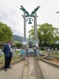 Stary człowiek i dzwon Obraz Royalty Free