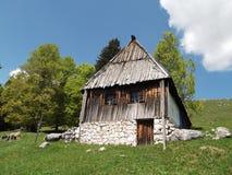 Stary czarnogórzec dom zdjęcia stock