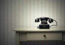 Stary czarny telefon obraz stock