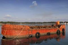 Stary czerwony ładunku statek Zdjęcia Royalty Free