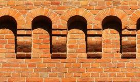 Stary czerwony ściana z cegieł czerep z łukami Horyzontalny bezszwowy łuk Zdjęcie Stock