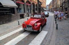 Stary czerwony Citroen samochód w Lille, Francja Obraz Stock