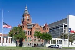 Stary Czerwony muzeum Dallas okręgu administracyjnego gmach sądu przy Dealey placem w Dallas, poprzedni, Teksas Zdjęcia Royalty Free