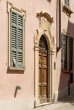Stary dekorujący portal przy Orta San Giulio, Włochy Zdjęcia Stock