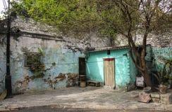 Stary dom i jard w jeden ulicy New Delhi, India fotografia stock