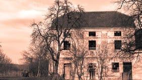 Stary dom w mieście Pakrac w monochromu Zdjęcie Royalty Free