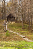 Stary drewniany dom up na wzgórzu Zdjęcia Royalty Free