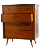 Stary drewniany dresser z jeden kreślarza otwarty odosobnionym na bielu Zdjęcie Stock