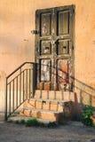 Stary drewniany drzwi w Włochy Zdjęcia Stock