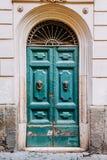 Stary drewniany drzwi, wejście dom Zdjęcie Stock