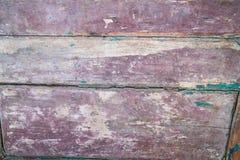 Stary drewniany drzwi z obieranie farbą od desek Obrazy Stock