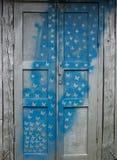 Stary drewniany drzwi z wzorem Obrazy Royalty Free