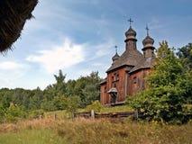 stary drewniany kościół w na otwartym powietrzu muzealnym Pirogovo Kijów obraz royalty free