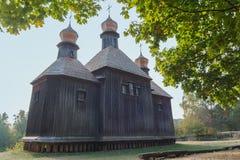 Stary drewniany kościół w parku kiev zdjęcia stock
