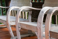 Stary drewniany krzesło na balkonie Obrazy Royalty Free