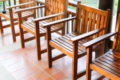 Stary drewniany krzesło na balkonie Zdjęcia Stock