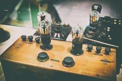 Stary drewniany lampowy radio Zdjęcie Stock