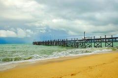 Stary drewniany molo rozciąga out morze Obraz Royalty Free
