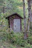 Stary drewniany outhouse Zdjęcia Royalty Free