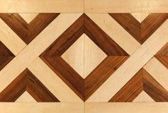 Stary drewniany parkietowy z geometrycznym wzorem Zdjęcia Royalty Free